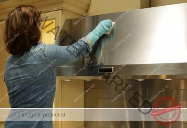Домашен препарат за почистване: справя се отлично с мазнините