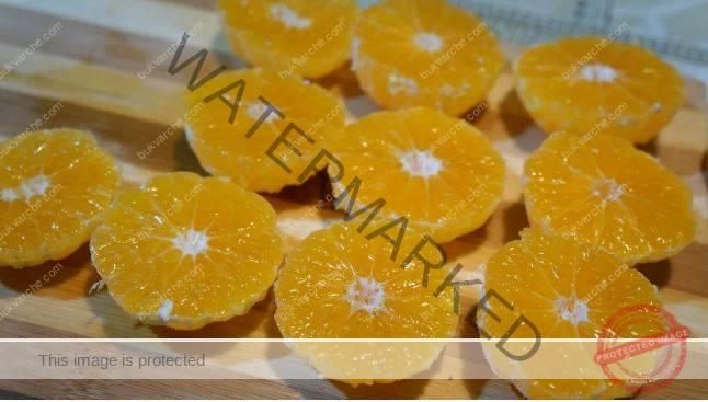 Пай с мандарини. Подходящ за всяка празнична трапеза