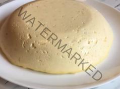 Домашно крема сирене от мляко и извара. Вкусно и полезно