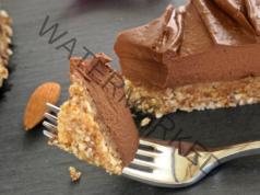 Бърза шоколадова торта от 4 съставки без печене