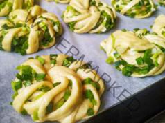 Мини банички със зелен лук - невероятно вкусни