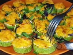 Тиквички на фурна с моркови и чесън - вкусна и здравословна рецепта