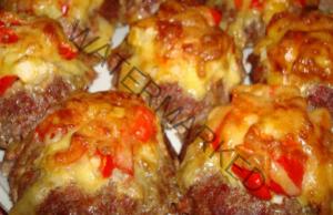 Мини кюфтенца на фурна с пилешко и свинско мляно месо
