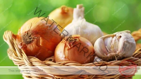 Подсилване на имунната система с кромид лук и чесън