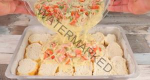 Ястие със стар хляб - трябват ви няколко яйца, сирене и домати