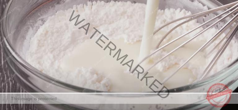 Бисквитена торта с бял шоколад и ванилов крем