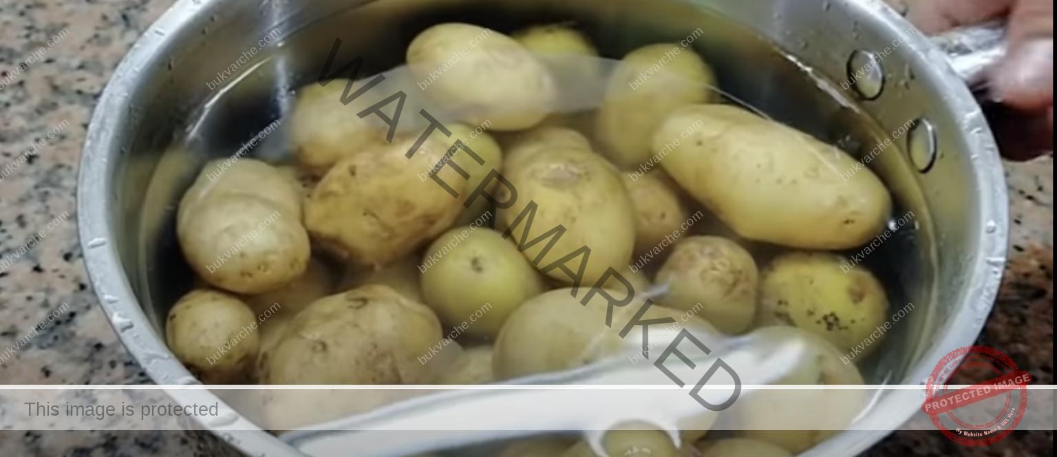 Водата от варените картофи е полезна в градината