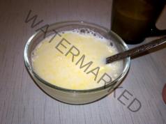 Бабин лек при кашлица с мляко, масло и жълтък