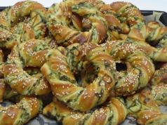 Домашни гевреци с пълнеж от спанак и сирене. Лесно и вкусно
