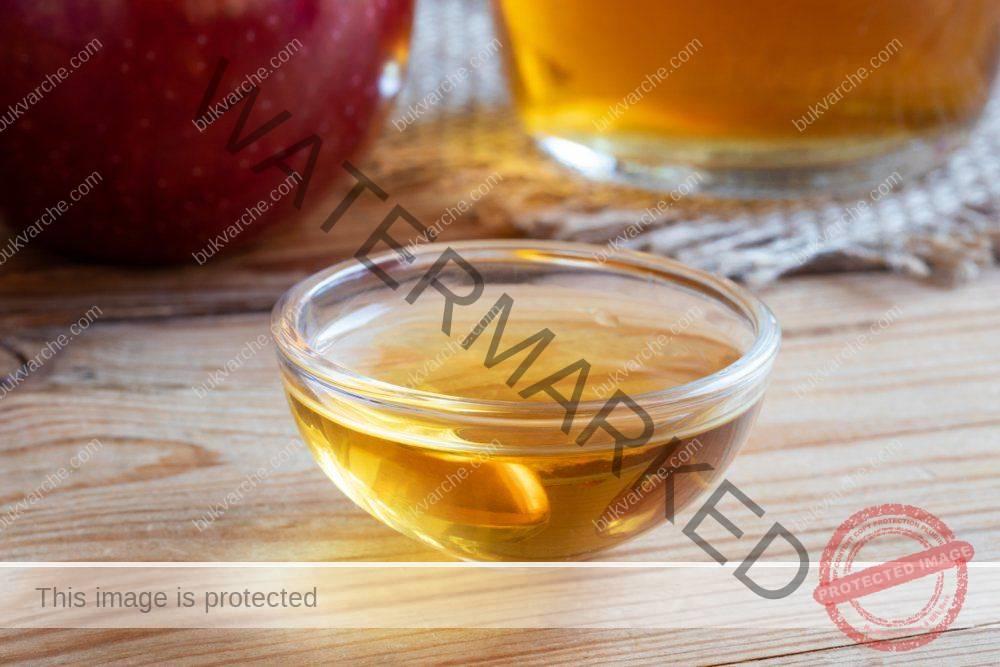 За настинка и кашлица си сварете чай от ябълки и червен лук