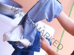 Как да предпазите дрехите при пране? Лесен трик