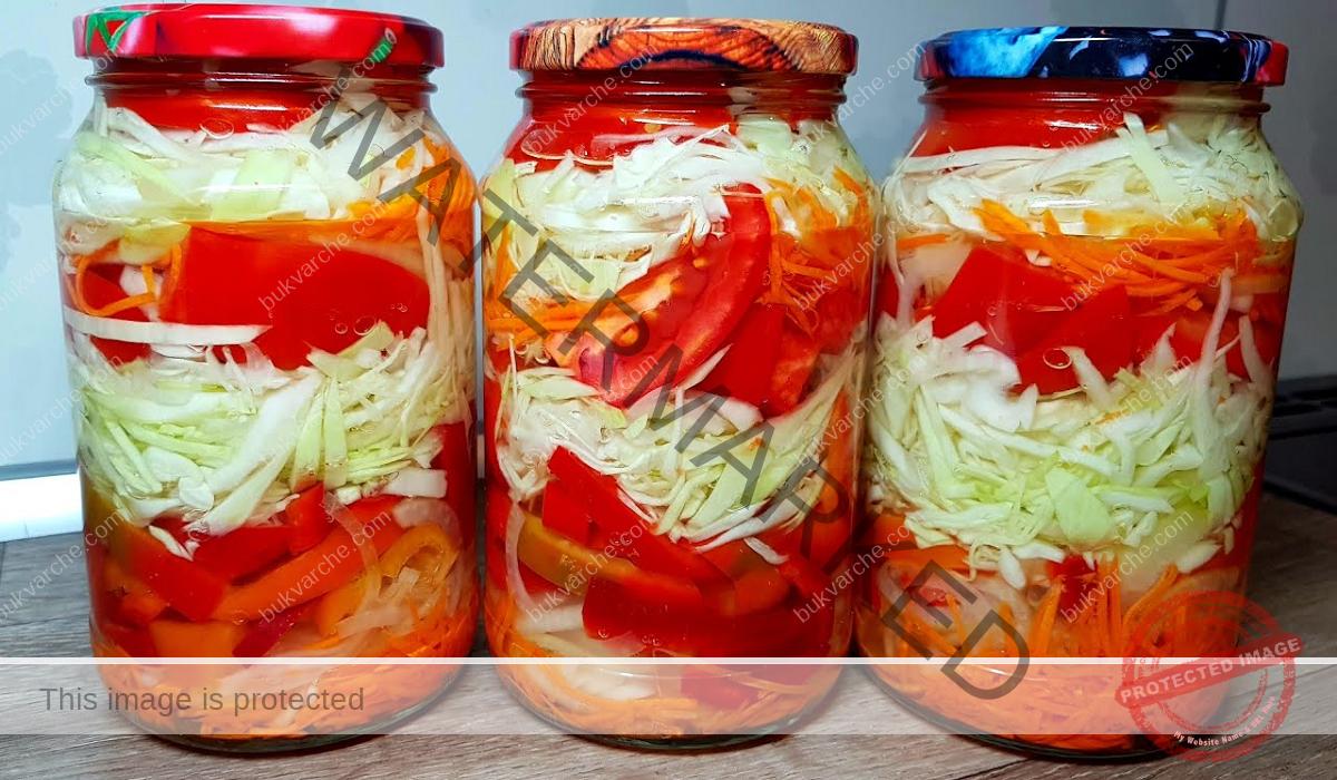 Маринована зелева салата с моркови и чушки - богат вкус и аромат