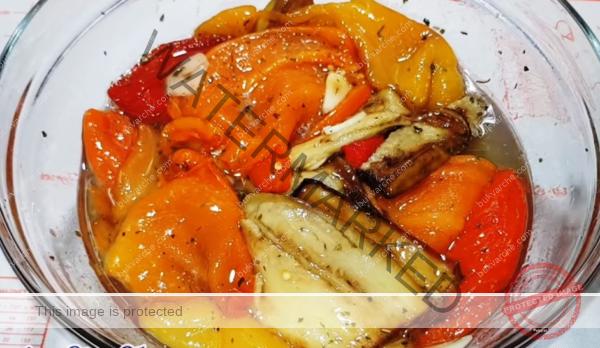 Мариновани чушки с патладжан - за любителите на вкусните мезета