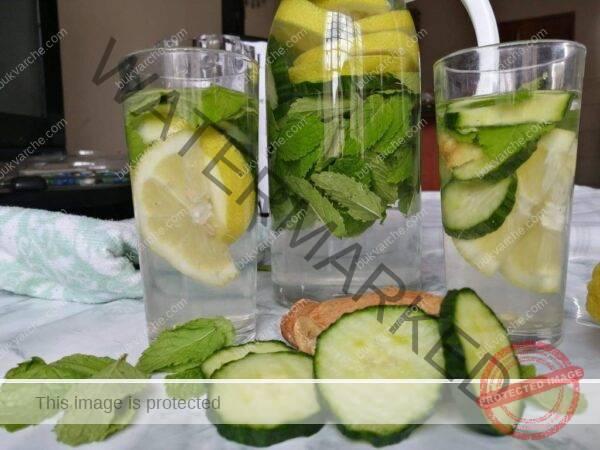 Напитка за плосък корем с краставица, мента и джинджифил