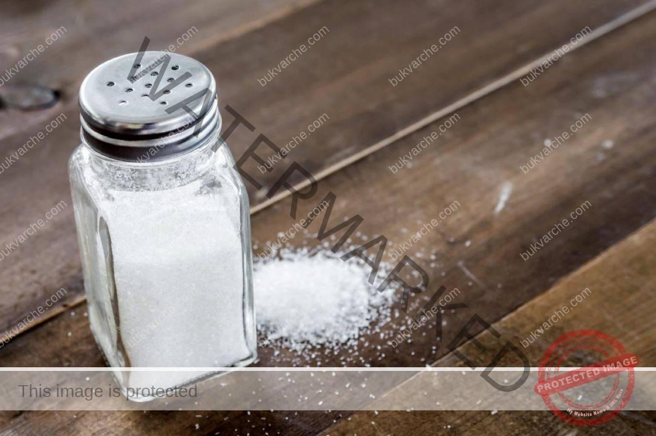 Почистване със сол на негативната енергия в дома