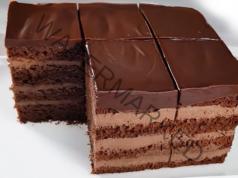 Торта с какаов крем, сочни блатове и нежна глазура