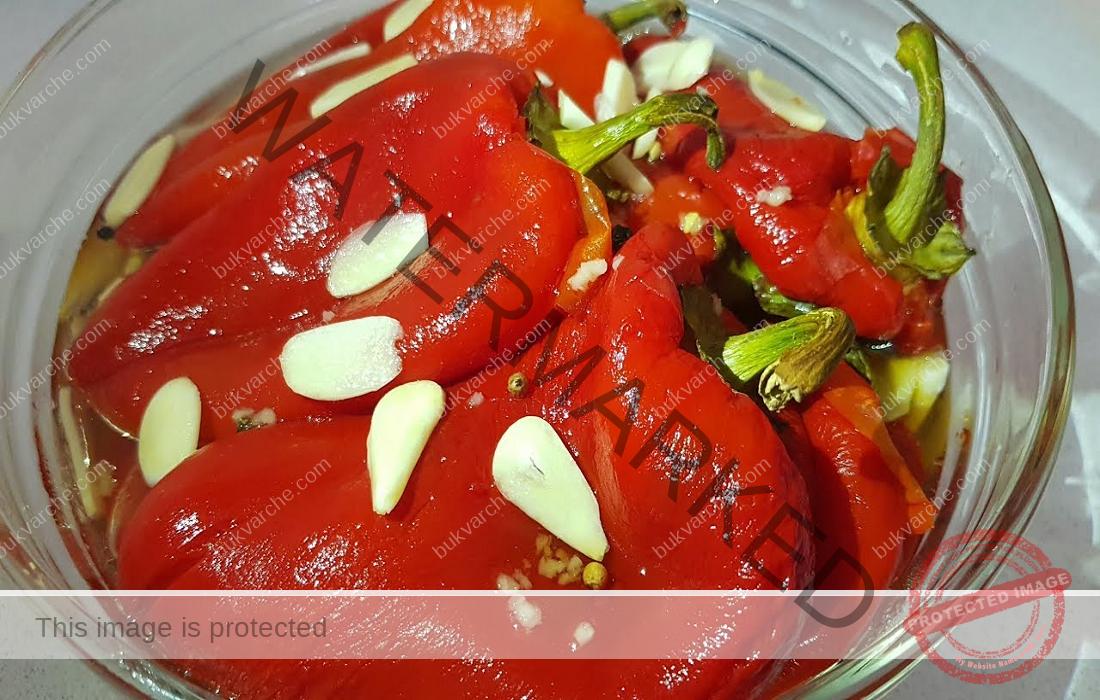 Мариновани червени чушки - най-вкусната и ароматна рецепта
