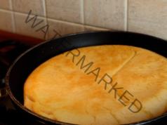 Домашен хляб на тиган: необходими са ви брашно и суха мая