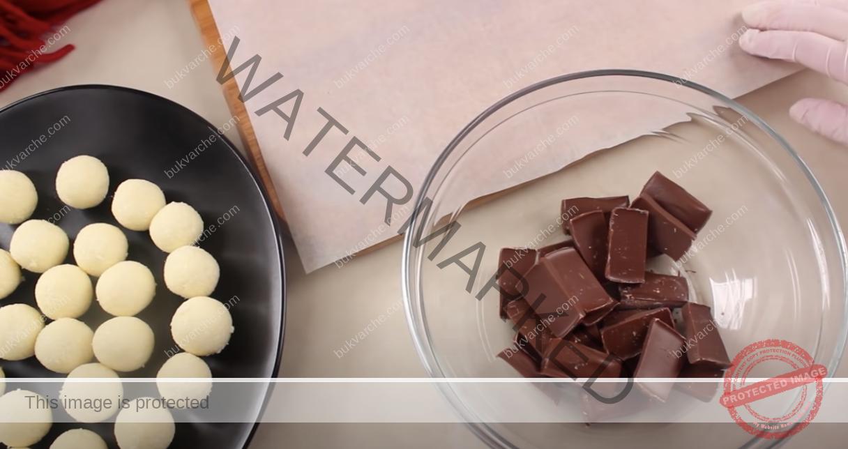 Кокосови топчета с кондензирано мляко и шоколадово покритие