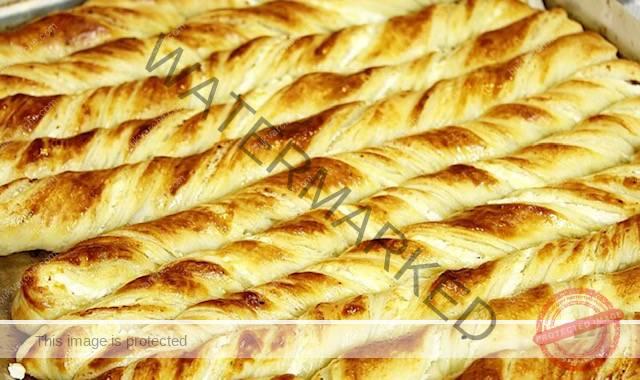 Пръчици от тесто с пълнеж от сирене и сметана
