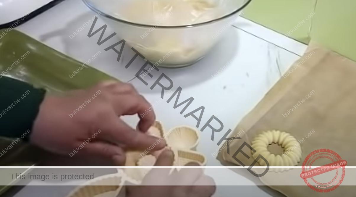 Сладки без яйца и мляко - залепете ги с конфитюр или нутела