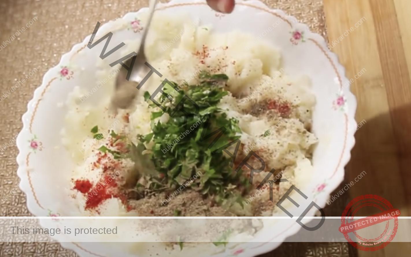 Турски палачинки от картофи, топено сирене и чесън