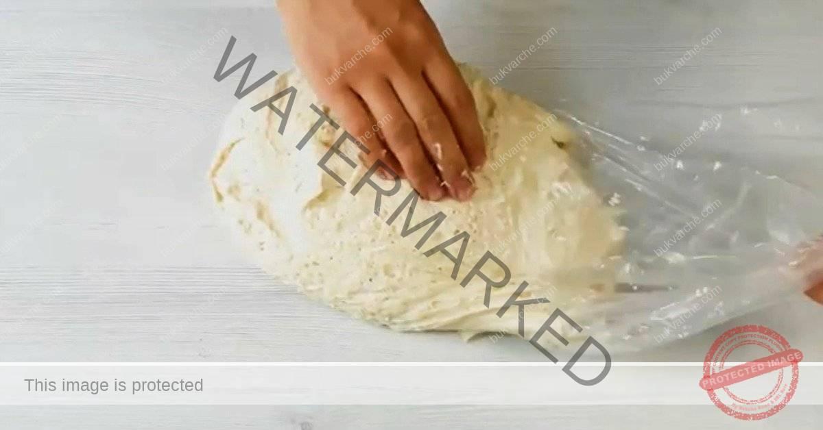 Универсално тесто с мая и мляко за любимите ви печива