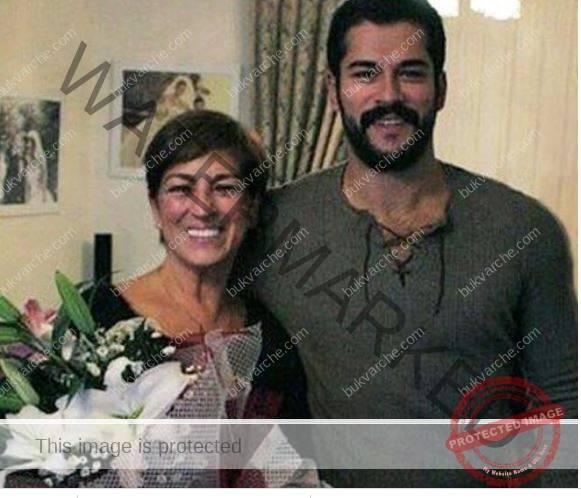 Семейството на Бурак Йозчивит ето как изглеждат родителите му