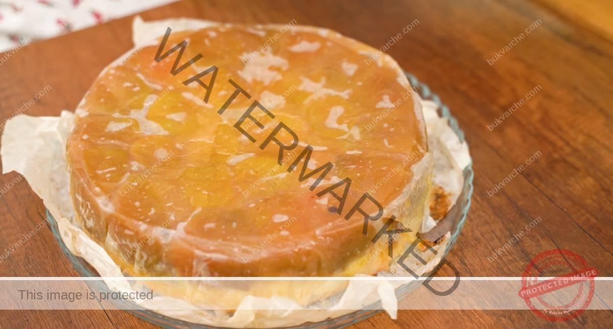 Домашен кейк с ябълки - малко тесто и много пълнеж