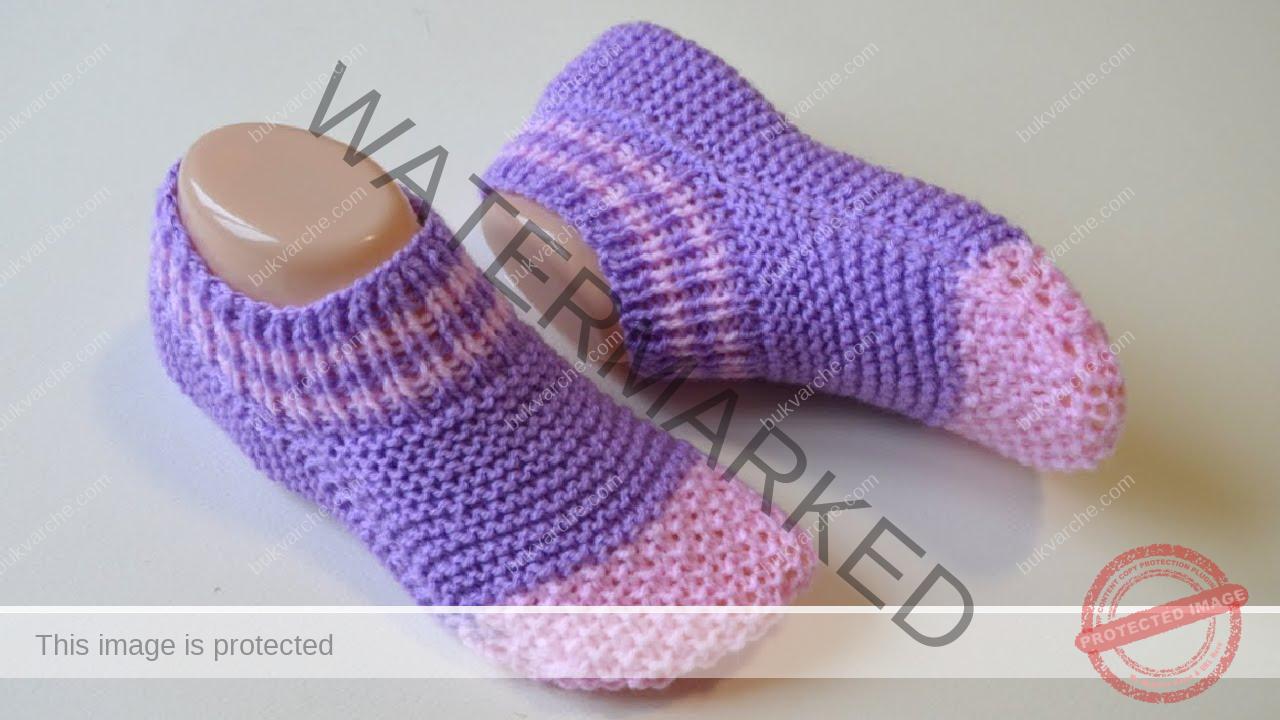 Къси чорапи на две игли. И начинаещ ще се справи