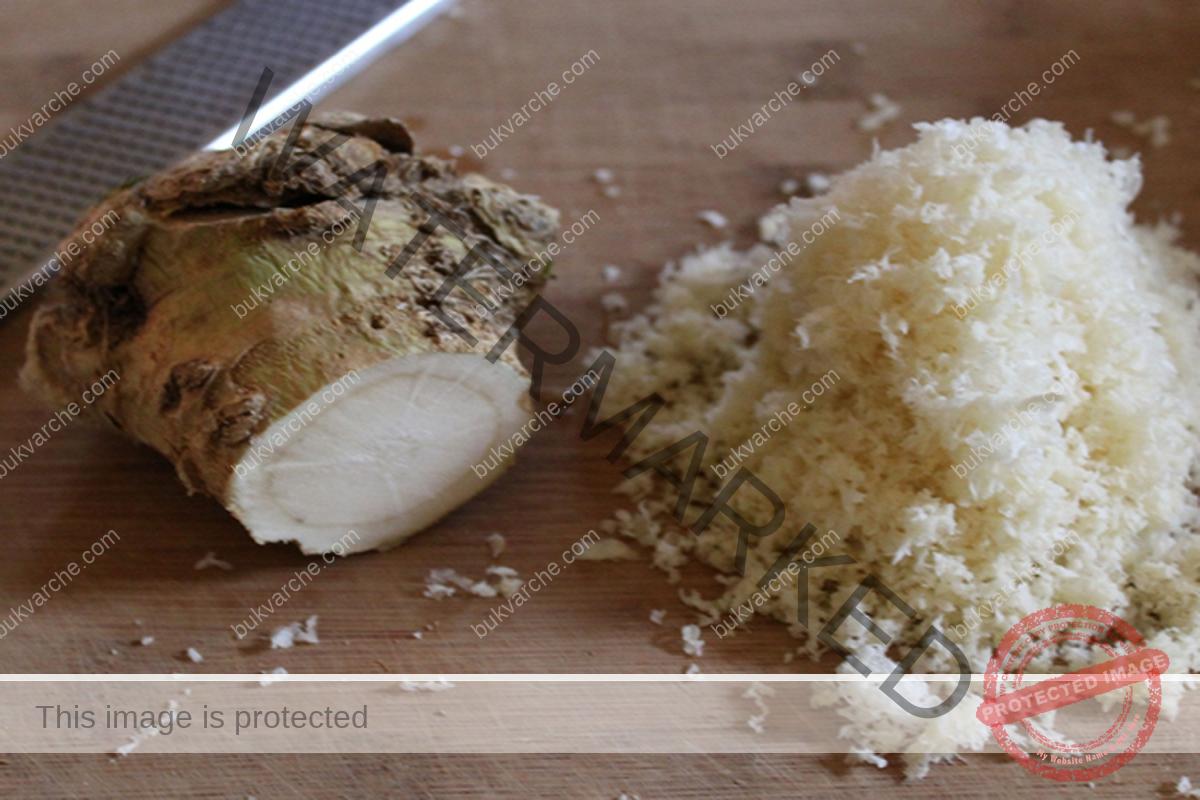 При суха кашлица - сироп от лук и отвара от хрян