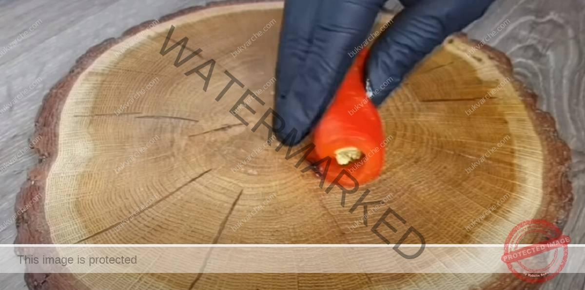 Мезе за празничната трапеза - чушки с пълнеж от орехи
