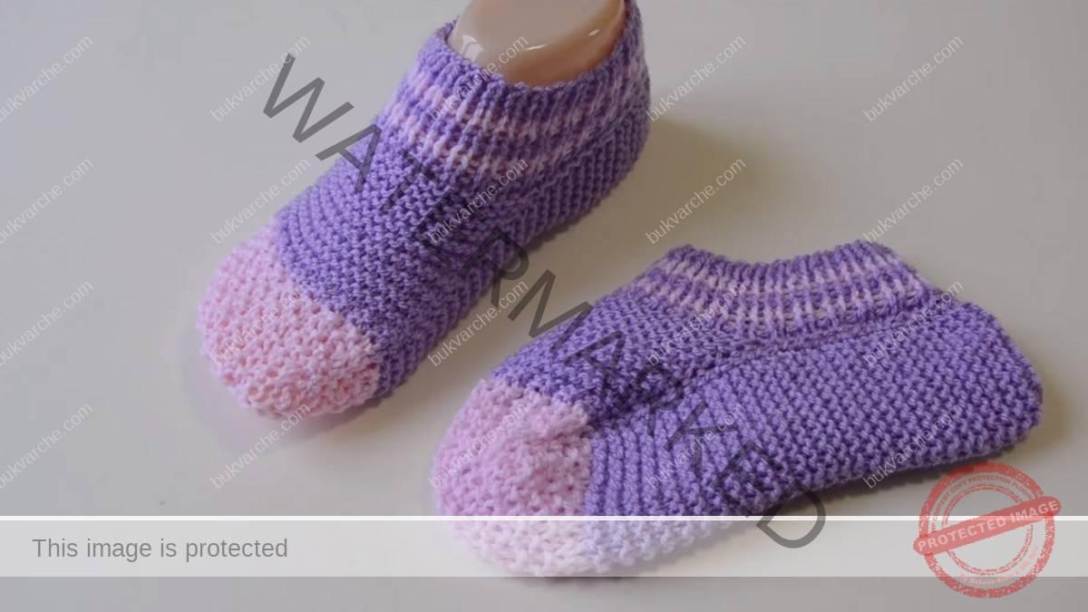 Плетени къси чорапи. И начинаещ ще се справи