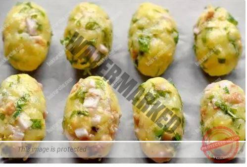 Картофени кюфтета на фурна с пушено пилешко