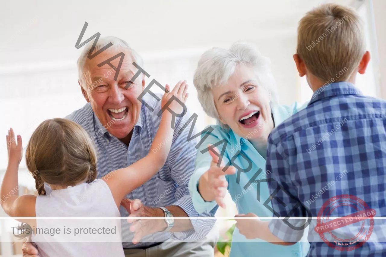 Бабите и дядовците играят важна роля в живота на своите внуци