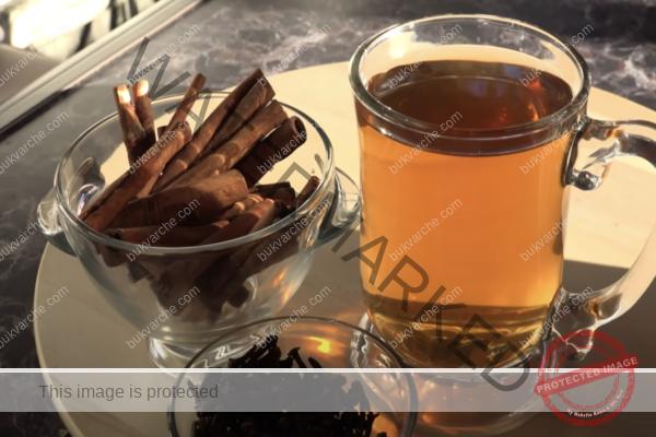 Домашна напитка срещу грип с карамфил и канела