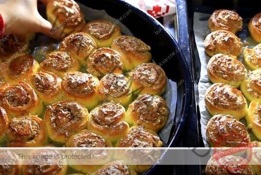 Охлюви с орехов пълнеж - меки и невероятно вкусни
