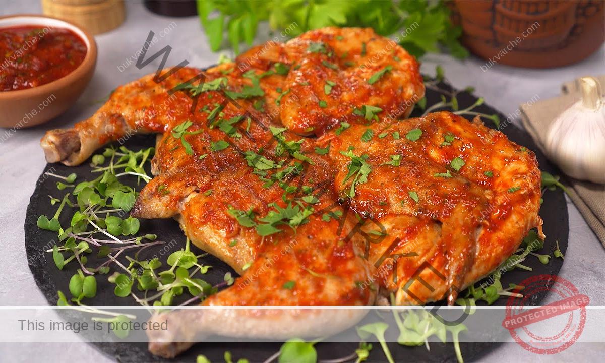 Пиле на тиган с доматен сос и подправки. Сочна рецепта