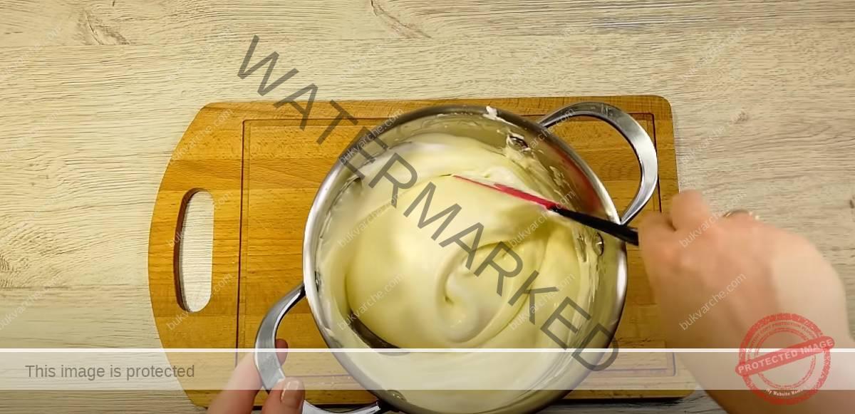Домашен сметанов десерт с аромат на лимон и ванилия