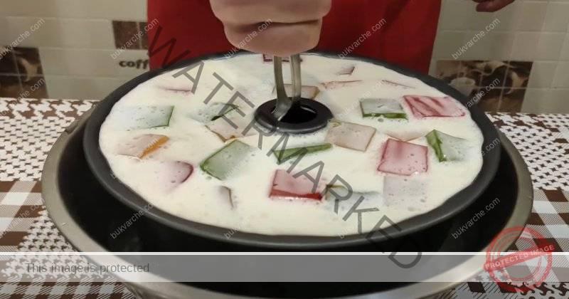 Торта с желе. Приготвя се лесно и не е нужно да включвате фурната