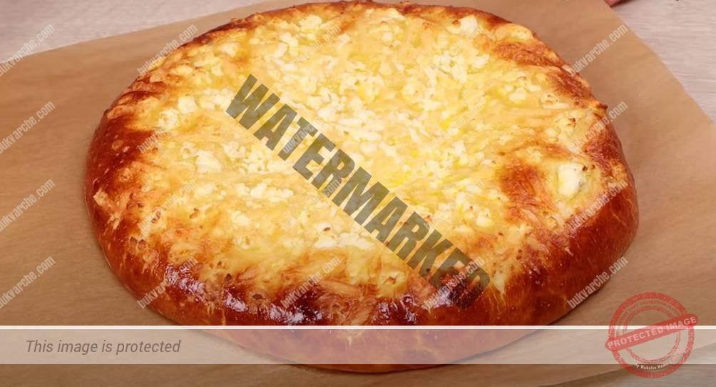 Бърза питка с кашкавал и сирене за закуска или обяд