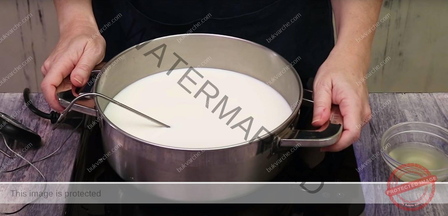 Лесна рецепта за сирене от 1 литър мляко и 1 лимон