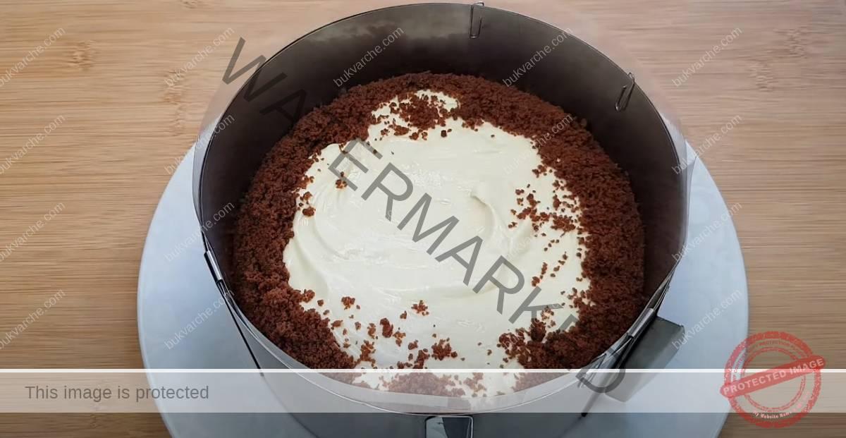 Торта със сметанов крем и шоколадов блат. Сочна рецепта