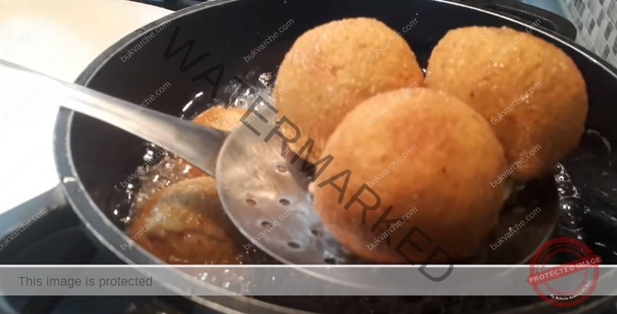 Картофени топки с шунка и пилешко месо. Лесно и вкусно