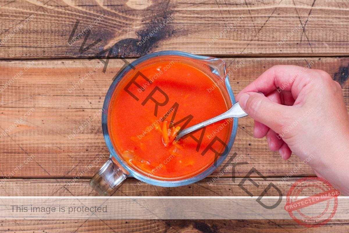 Сочни кюфтета в доматен сос за обяд или вечеря