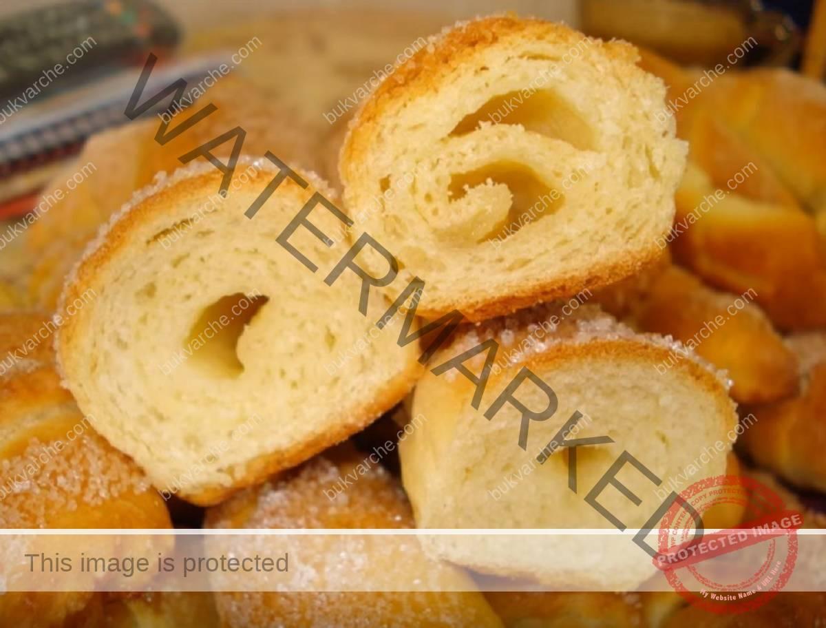 Домашни сладки с пълнеж: непременно опитайте тази рецепта