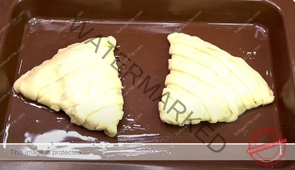 Сладка питка с пълнеж и интересна форма. Лесна рецепта