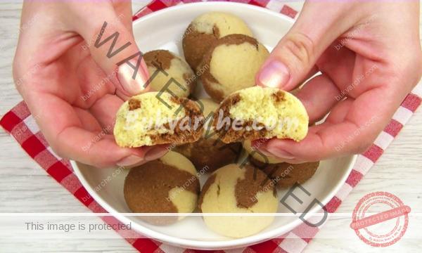 Домашни двуцветни бисквитки, готови за минути!