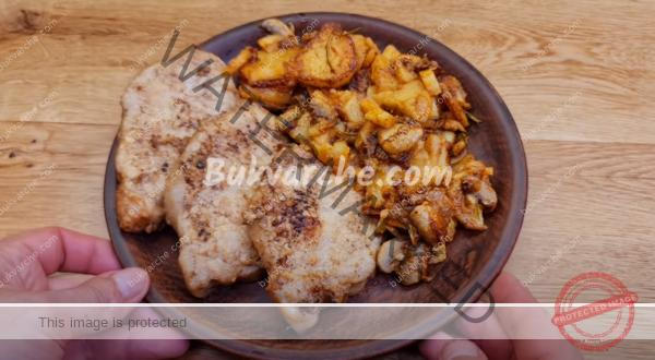 Печени картофи с бекон и вкусна гарнитура – лесна рецепта