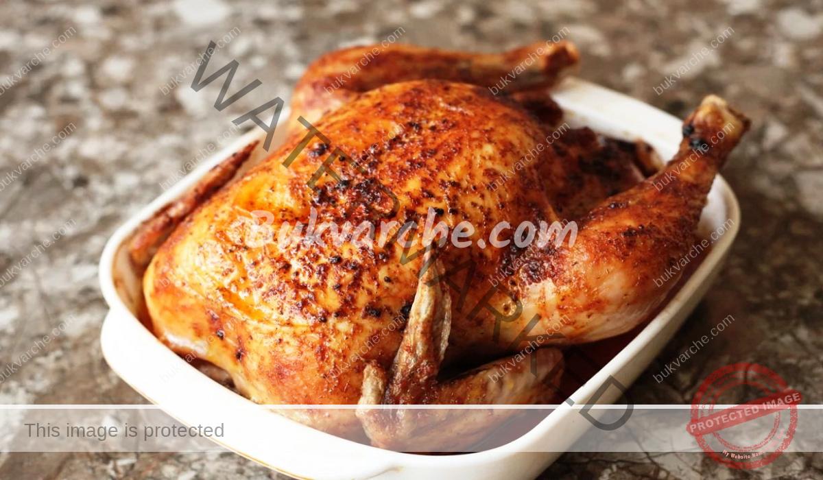 Печено пиле - намажете го с масло и подправки!